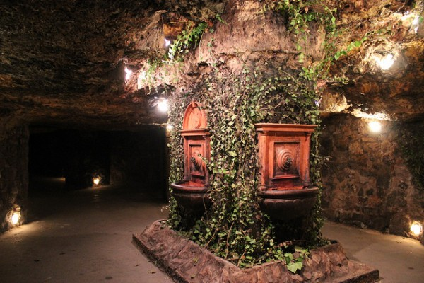 In the labyrinth of the Castle Cave in Budapest
