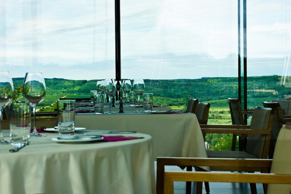 Restaurant in Pannonhalma with a view of the vineyard